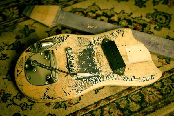 Skate-Guitar-3