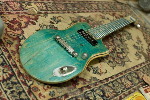 Skate-Guitar-5