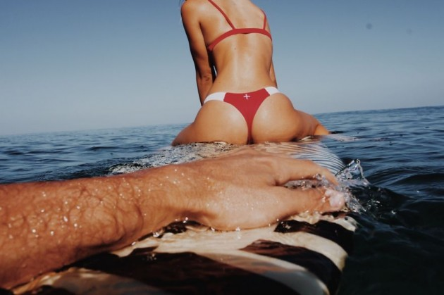 photographer-model-surfer-couple-travels-world-jay-alvarrez-alexis-ren-17-630x419