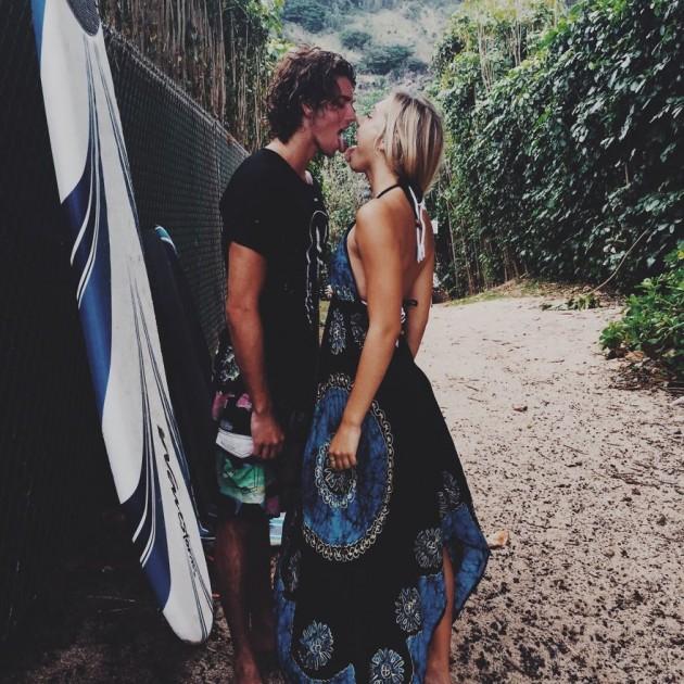 photographer-model-surfer-couple-travels-world-jay-alvarrez-alexis-ren-19-630x630