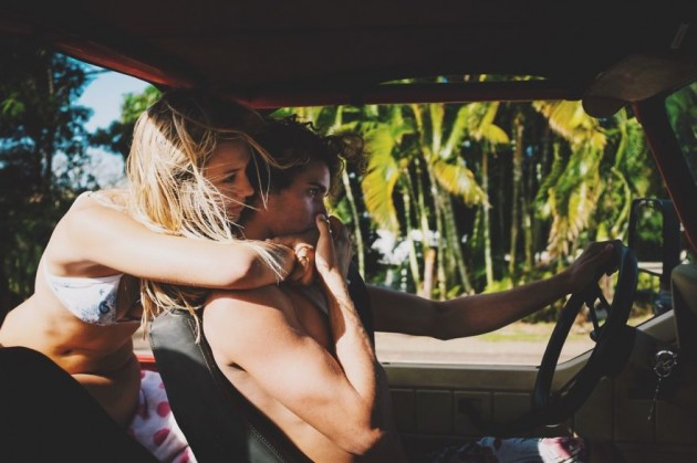 photographer-model-surfer-couple-travels-world-jay-alvarrez-alexis-ren-4-630x419