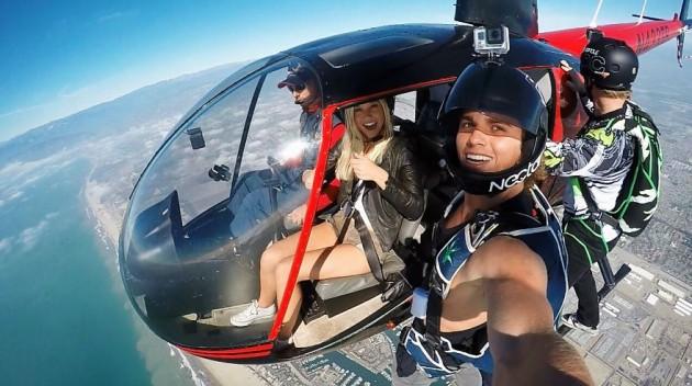 photographer-model-surfer-couple-travels-world-jay-alvarrez-alexis-ren-8-630x352