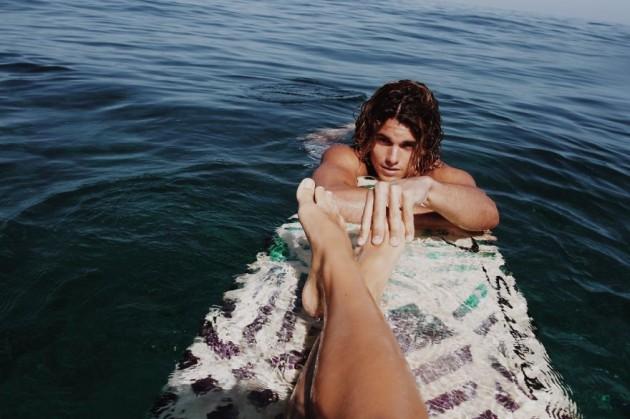 photographer-model-surfer-couple-travels-world-jay-alvarrez-alexis-ren-9-630x419