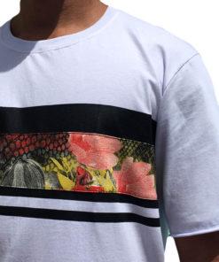 Camiseta Floral detalhes