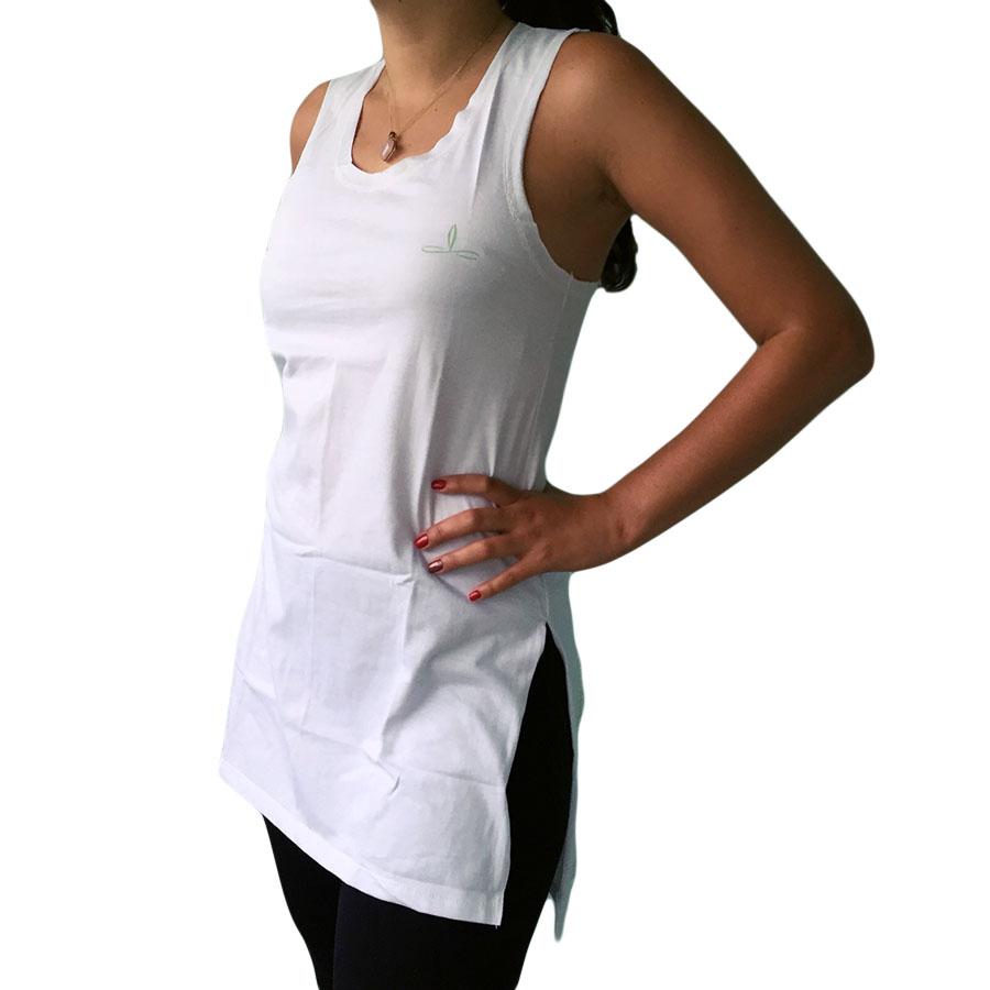 Regata Alongada com Fenda Lateral Branca - Manala - Camisetas Alternativas  para pessoas de mente aberta f56467298cc