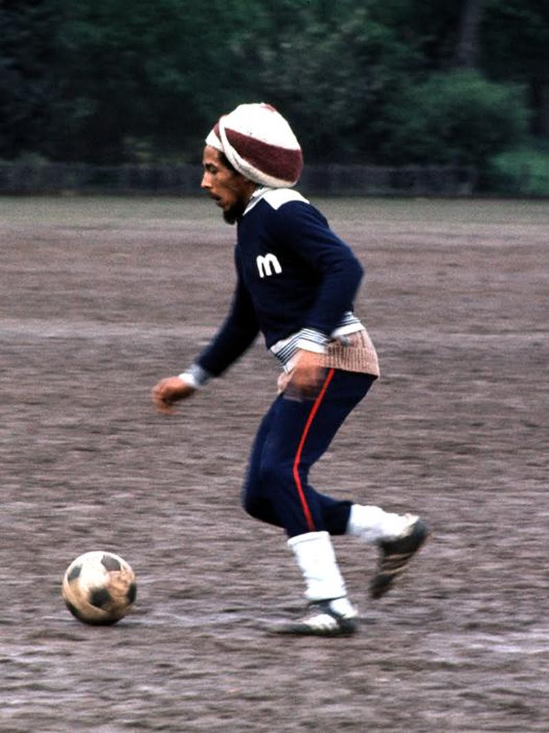 Bob-Marley-Soccer-Football-Dread-Rasta-2