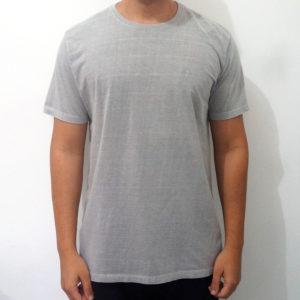 camiseta estonada cinza claro básica