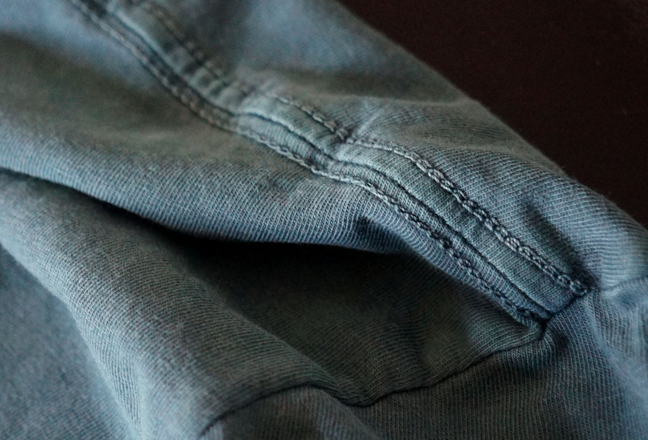costura reforçada ombro a ombro